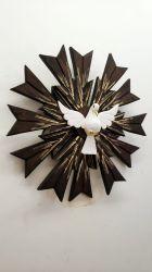 Divino Espirito Santo em madeira - 43 x 43   cm Raios Duplos - Detalhes Dourados