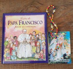 Livro  Lições Do Papa Francisco Para As Crianças  + Lindo Terço da Criança em Madeira