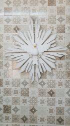Lindo Divino em Madeira 56 x 56 cm Raios Duplos
